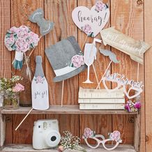 Rustic Country Wedding Photobooth Props - Party Supplies Emporium